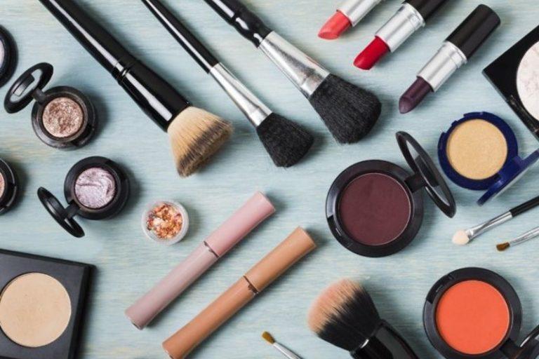 Como começar a vender maquiagem? – 6 dicas práticas!